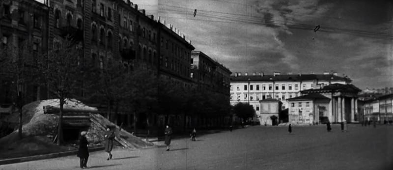Огневая точка (ДЗОТ) на Сенной площади