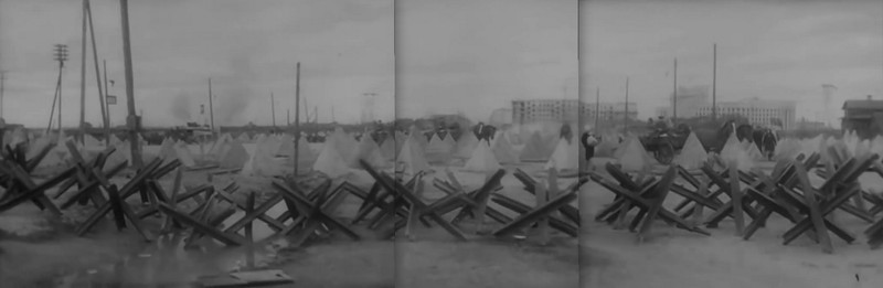 Линия надолбов на окраине Ленинграда