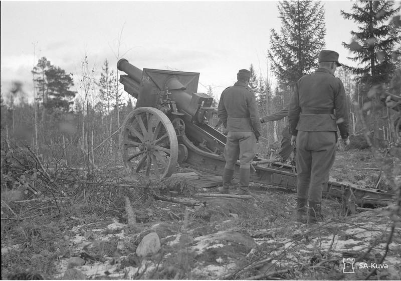 Äänislinnan - Kontupohjan välisessä maastossa. 1941.10.15