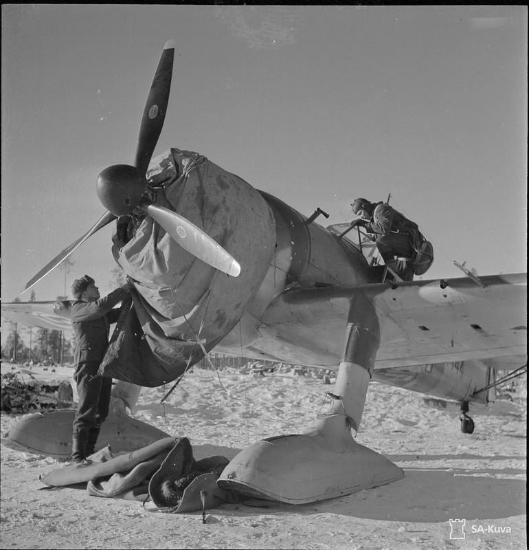 Tiiksjärven lentokenttä 1941.11.04