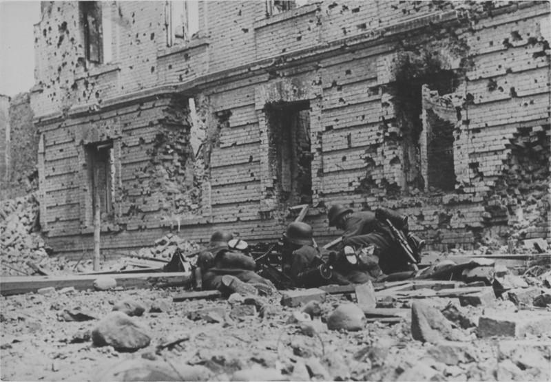 богат только фото немцев в брестской крепости пицунды советский курорт