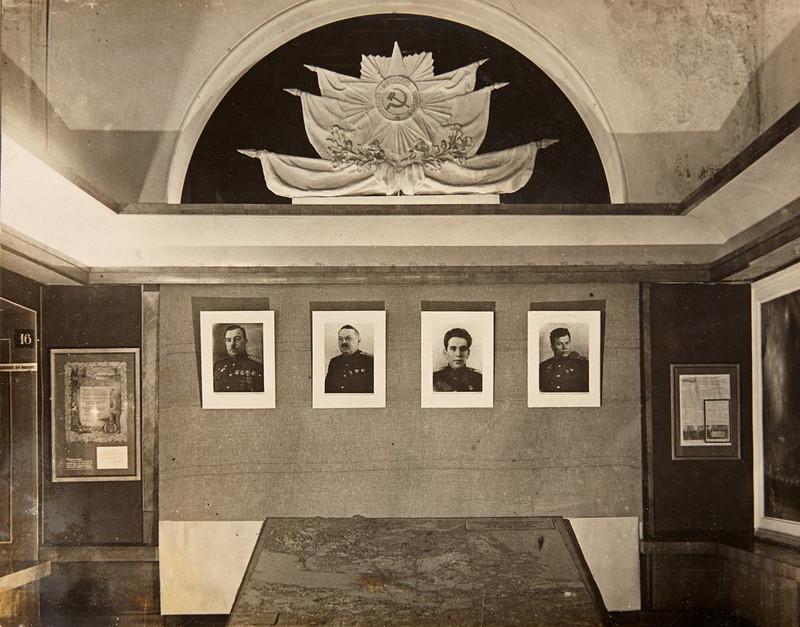Зал Ленинград в первый дни Великой Отечественной войны