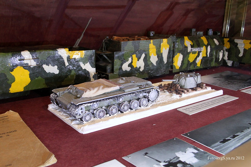 Переброска тяжелого танка КВ-1 по льду Ладожского озера