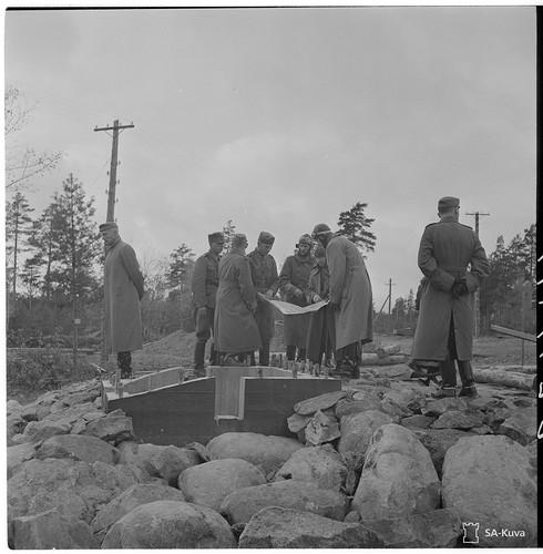 Инспекция Маннергейма строительства Линии ВТ в октябре 1942 года