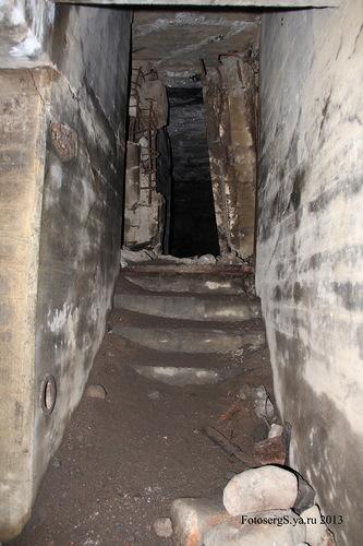 Проход из коридора-укрытия в центральную часть сооружения