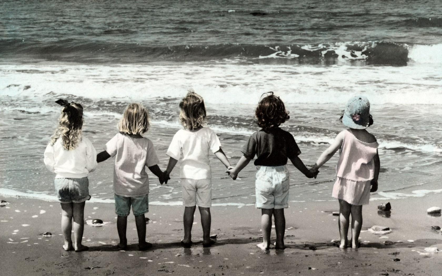 Жизнь непременно отбирает у человека друзей детства. Карлос Руис Сафон. Тень ветра