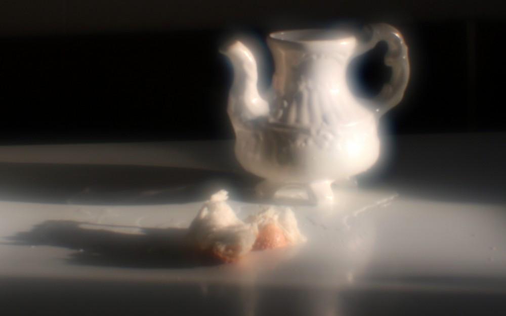 С пролитым молоком