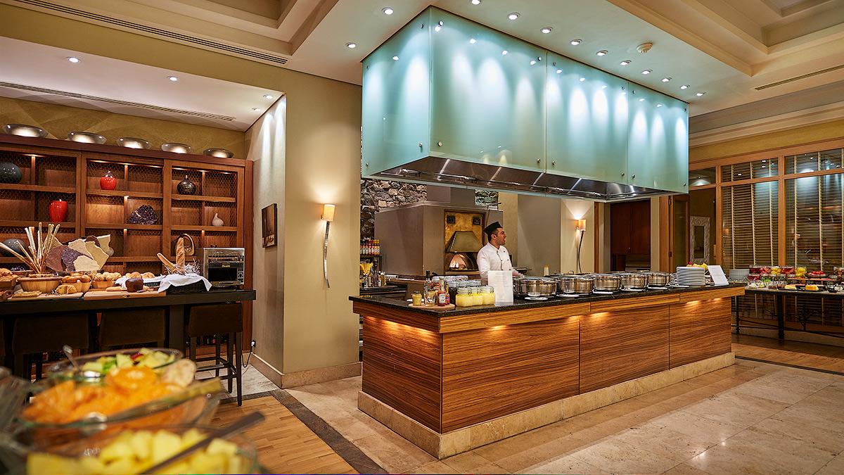 Кухня в Hyatt Regency Baku
