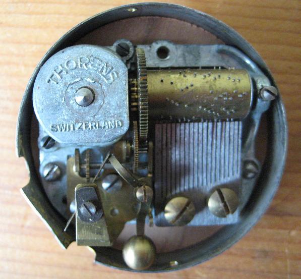 pourmusicbox2