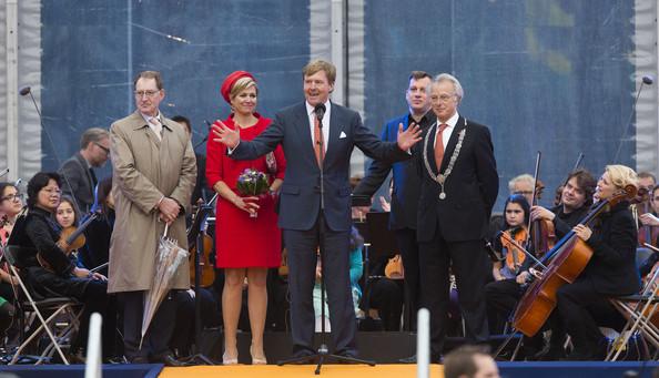 King+Willem+Alexander+Wife+Visit+Zeeland+5bEV0m9nFstl