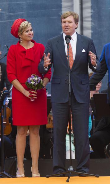 King+Willem+Alexander+Wife+Visit+Zeeland+KipQ5zGP4j2l