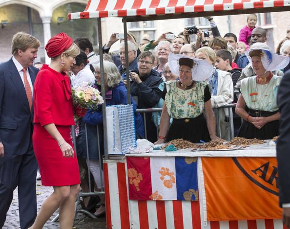 King+Willem+Alexander+Queen+Maxima+Netherlands+IE9HeD0drlhl