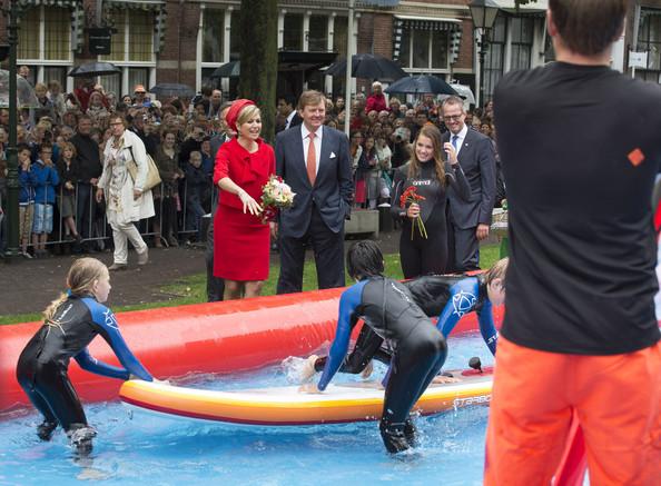 King+Willem+Alexander+Queen+Maxima+Netherlands+i50ZRtMr-aol