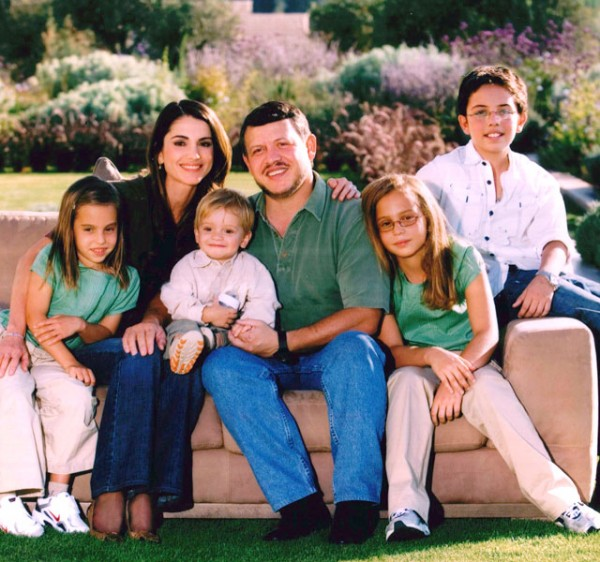 king_abdullah_ii_queen_rania_family_640_f