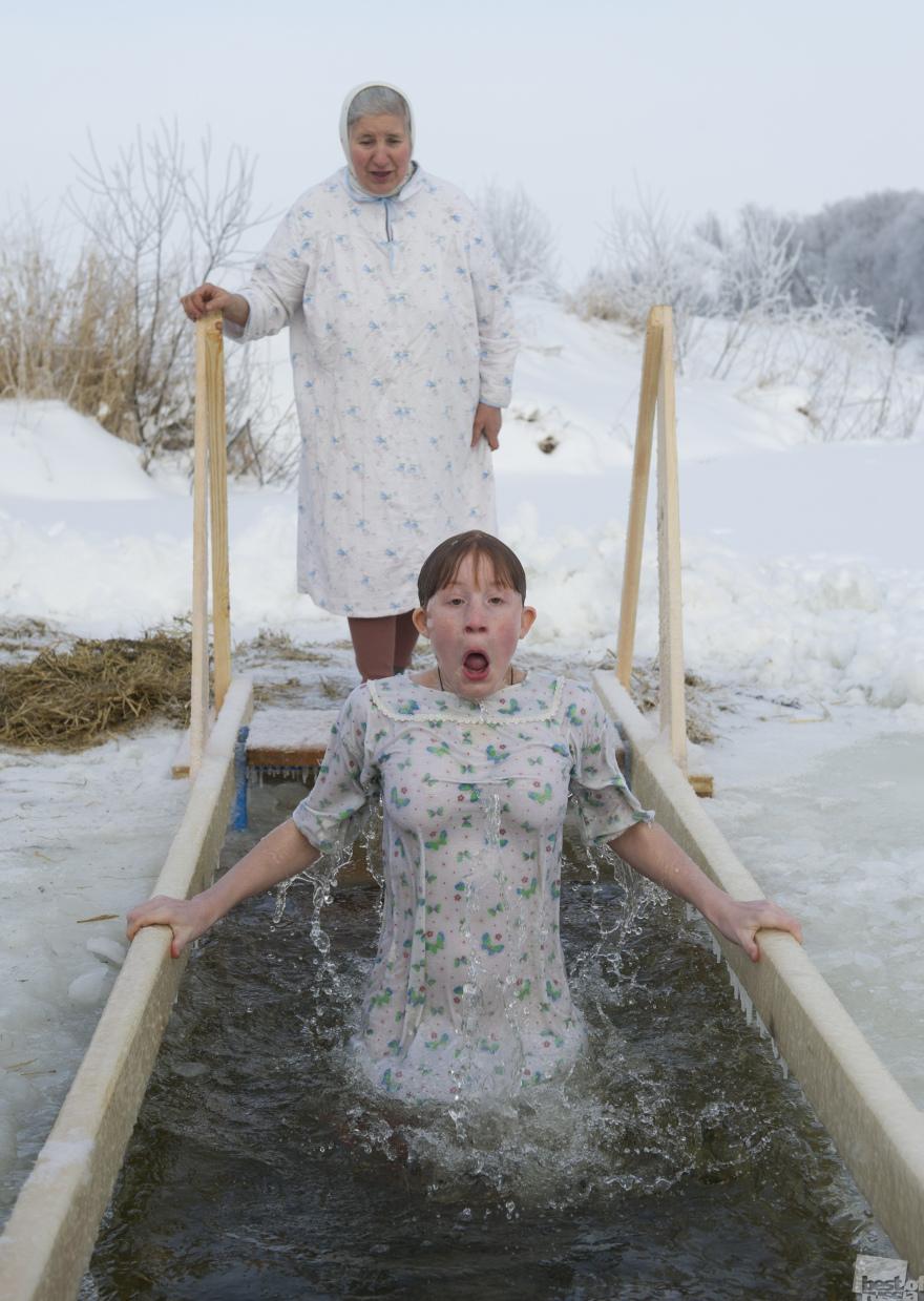 Крещенское купание в реке Нерль. Илья Питалев. Село Порецкое