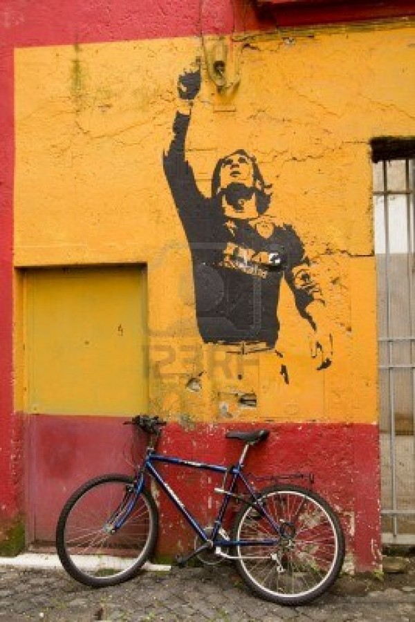 9587857-rome--march-19-graffiti-in-honor-lionel-messi-by-banksy-on-march-19-2011-in-rome-italy-rome-italy-ma