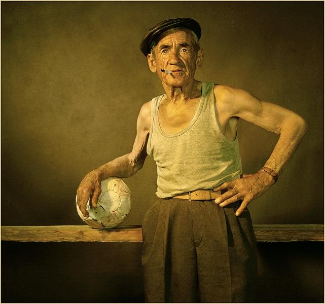 641x600_45_Timeout_football_old_man_portrait_face_photo_photography_digital_art Павел Безруков