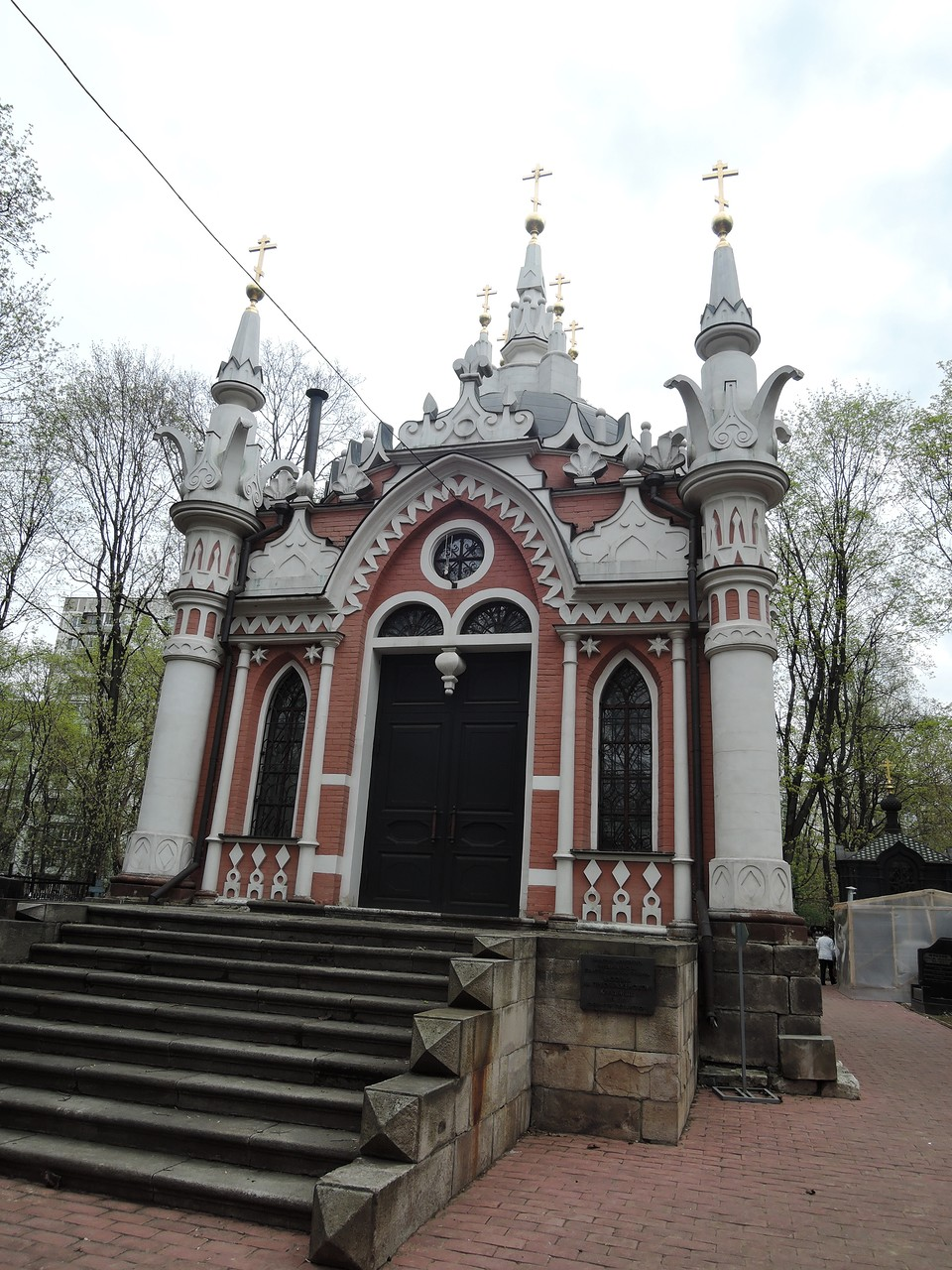 Никольская часовня «О девяти крестах» на Преображенском кладбище