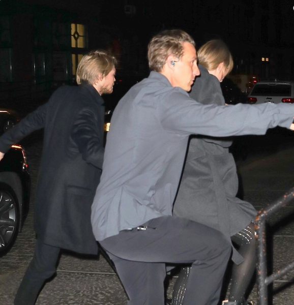 hiddles bodyguard.png
