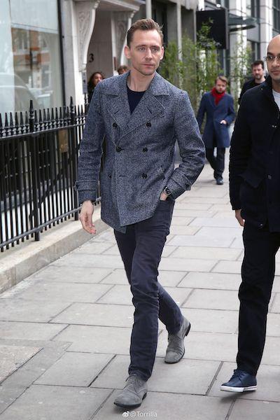 tom hiddleston 2017 press radio.jpg
