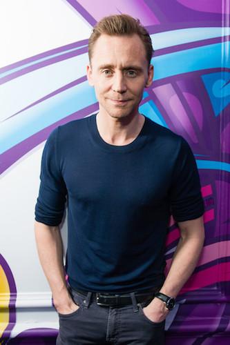 tom hiddleston magic radio 2017.jpg