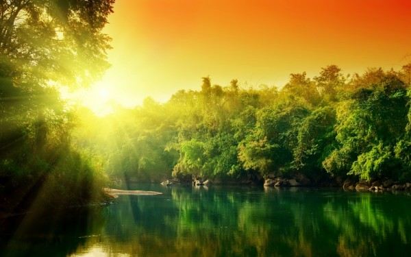 солнце над озером