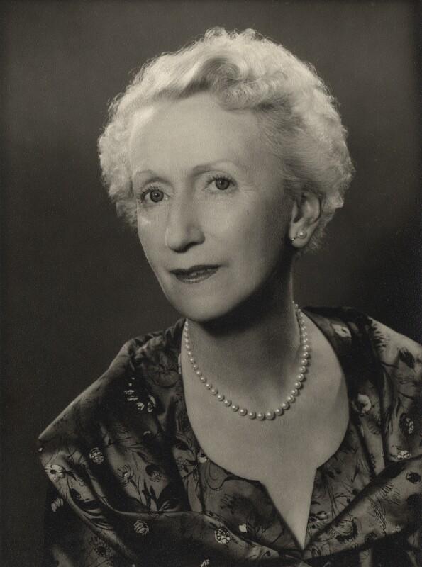 Сесиль Вудхэм-Смит