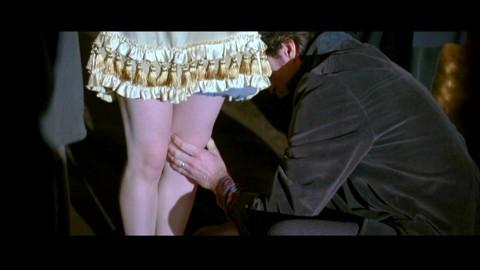 Ножки жены целовать
