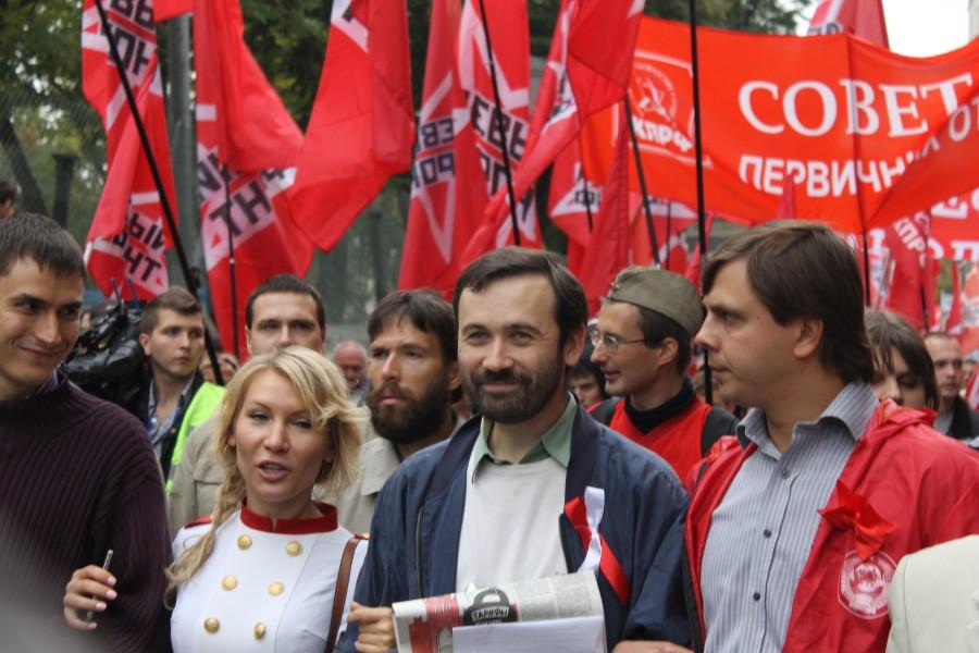 Слева-направо: Шаргунов (писатель, ныне депутат), Попова (просто так), И.Пономарев («Справедливая Россия», «Левый фронт», ныне политэмигрант), Клычков (КПРФ)