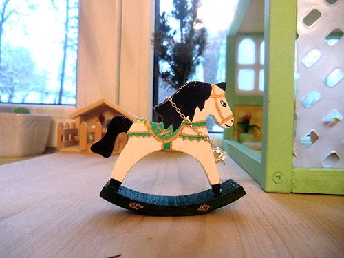 лошадка с колокольчиком