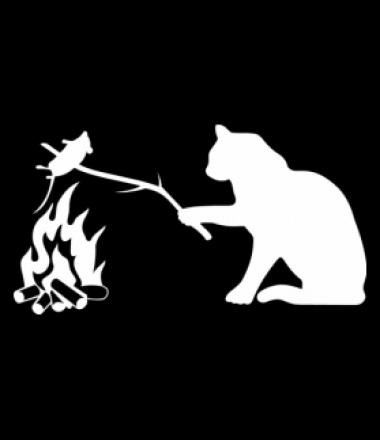 кот жарит мышь