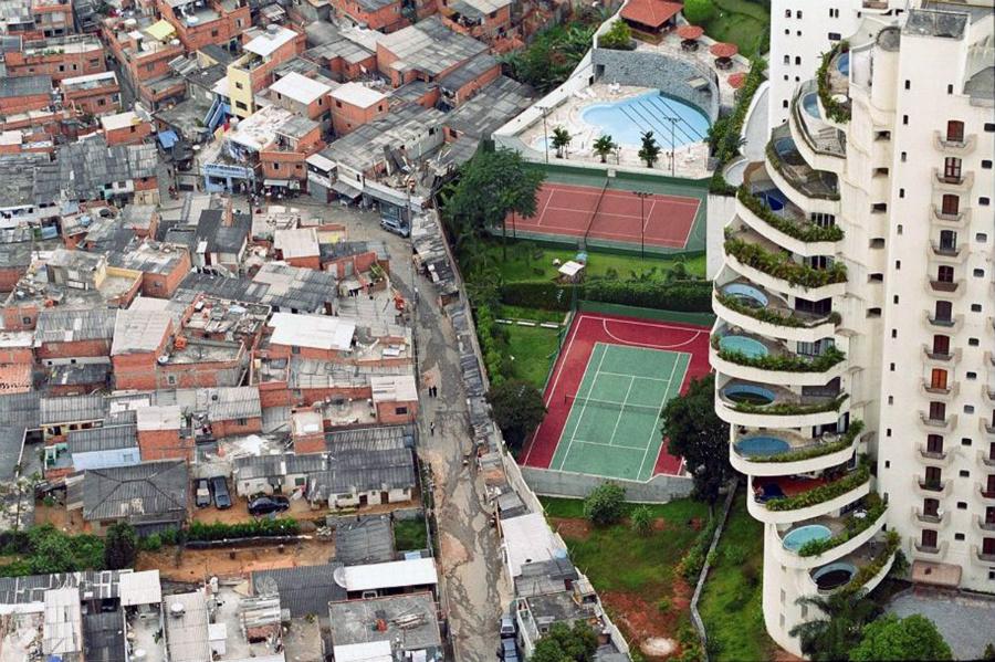 Фавела в Бразилии