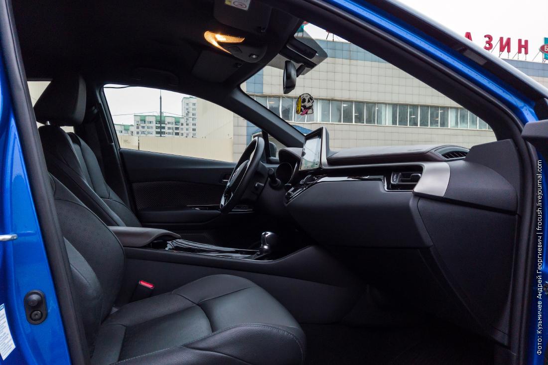 переднее пассажирское кресло toyota c-hr