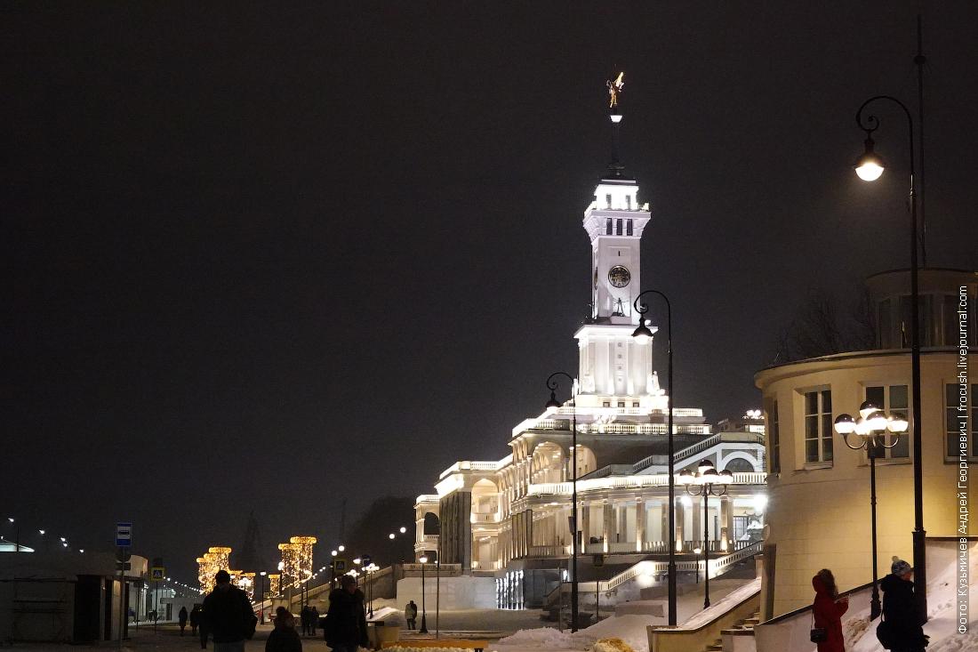 зимняя ночная набережная северного речного вокзала москвы