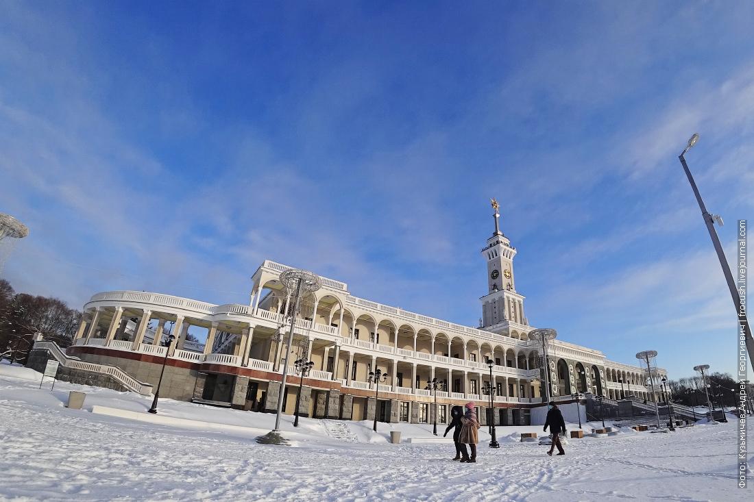 зимнее фото северный речной вокзал в снегу