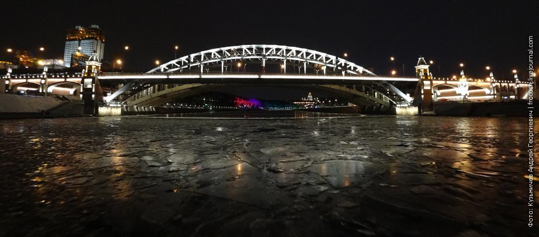 теплоходная прогулка по льду москвы реки