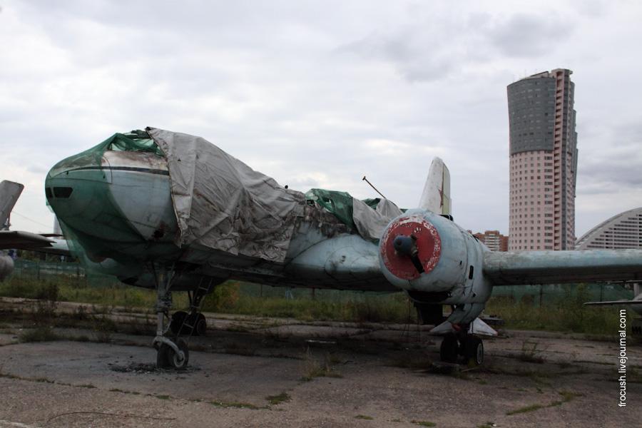 Самолет Ил-14 в Москве на Ходынке