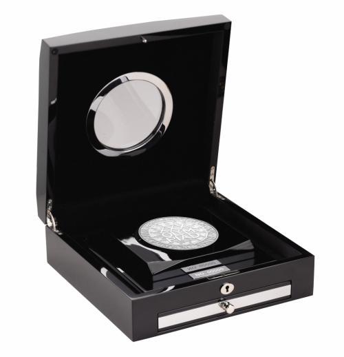 silver_kilo_case_open
