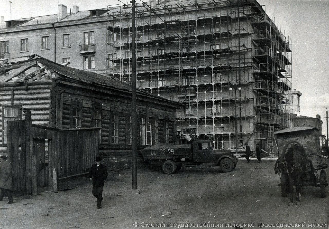 Старый дом на углу Почтовой и Маркса, 1959.jpg