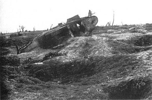 Подбитый танк на Сомме.jpg