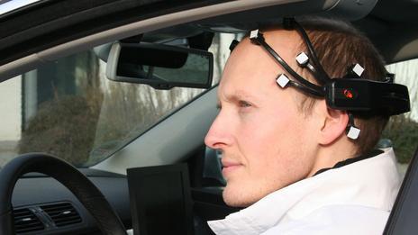 140627134816_brain_headset