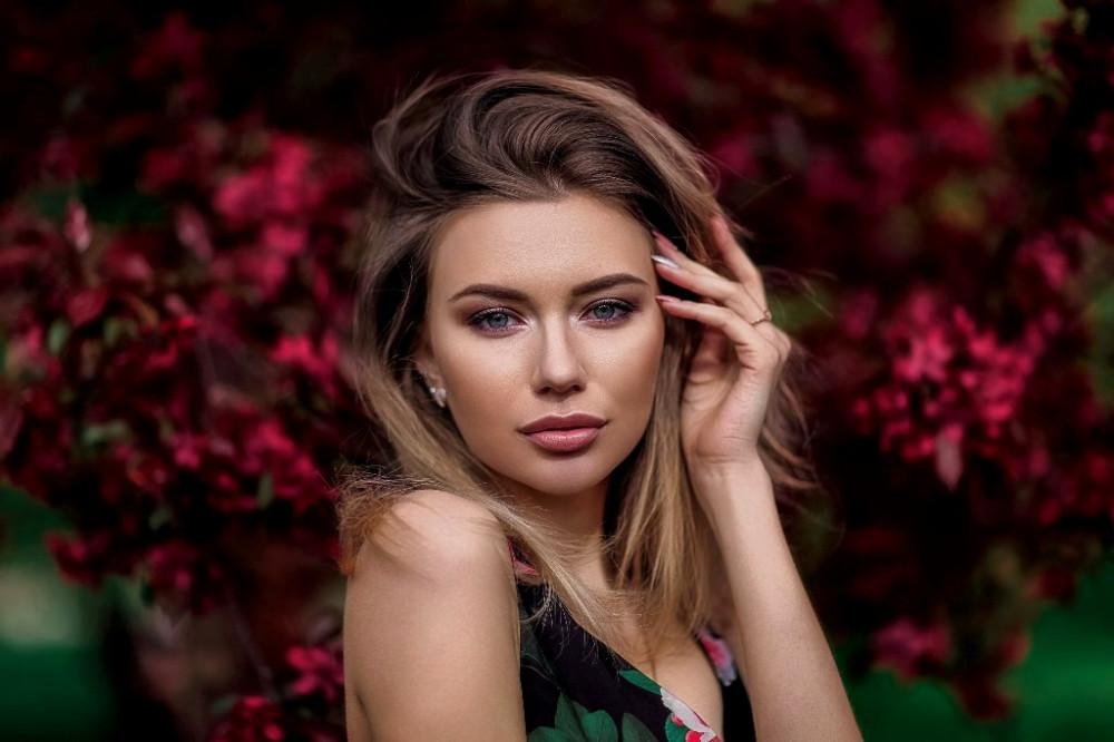 women-blonde-portrait-depth-of-field-1153078