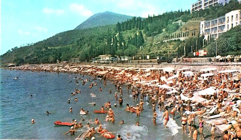 Пляжи в СССР или спасибо, родители DD0dVd0XUAEnnK0
