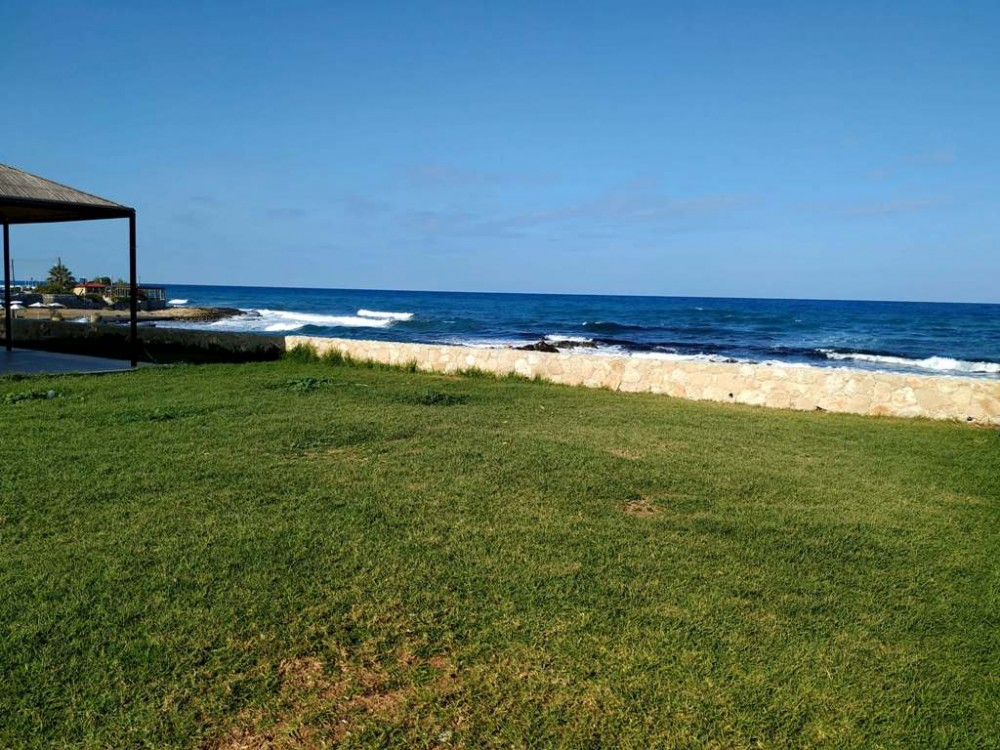Декабрьский пляж на Кипре