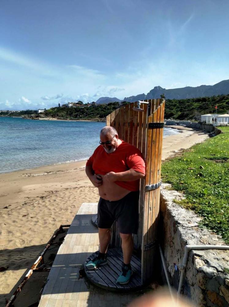Эскейп, когда блогеру делать нечего, он по пляжам ездит