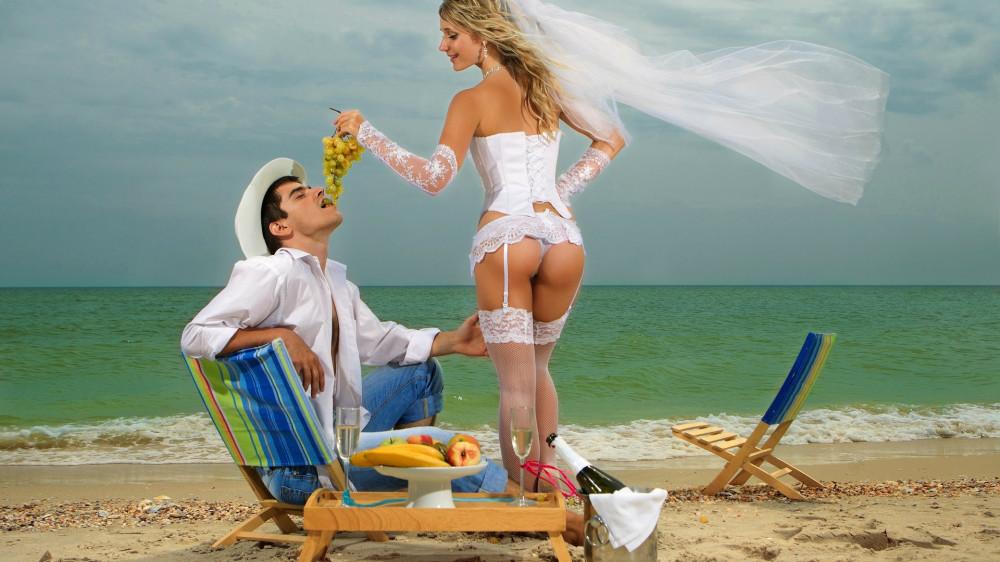 интимные фото девушек с отпуска на море