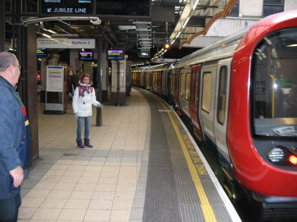 просьбам трудящихся как устроиться на работу в метро Настоящее пособие призвано