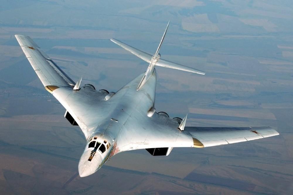 Tu-160-s-uvelichennoy-strelovidnostyu-kryilev