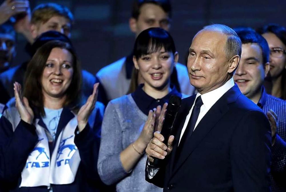 Ура-а-а! Россию ждет еще минимум шесть лет богатства и счастья KMO_128025_03311_1_t222_174715