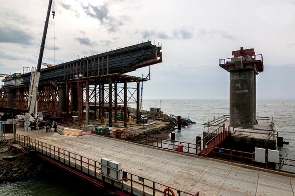 crimea_bridge_building